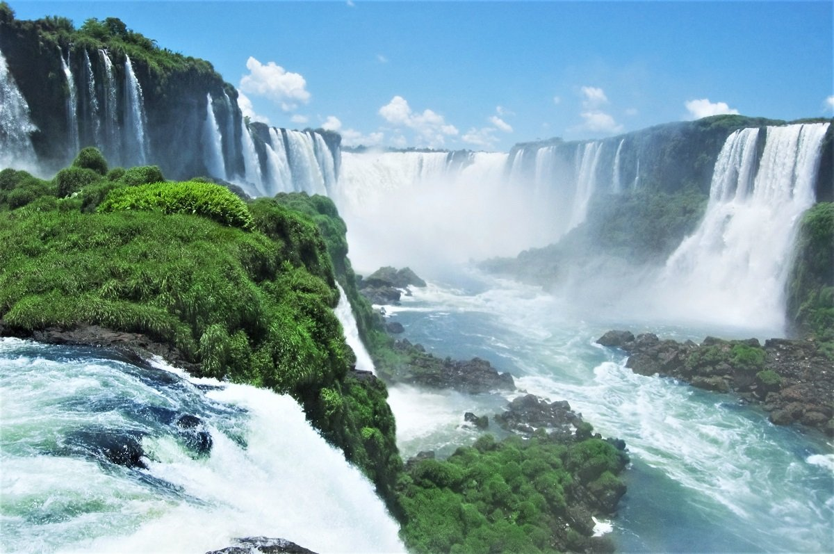 how to get from iguazu falls to buenos aires